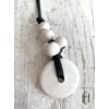 Kép 1/2 - Fehér- pezsgő pöttyös szőlőfürtös hosszú nyaklánc