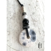 Kép 1/2 - Fehér- fekete foltos fémrudas hosszú nyaklánc