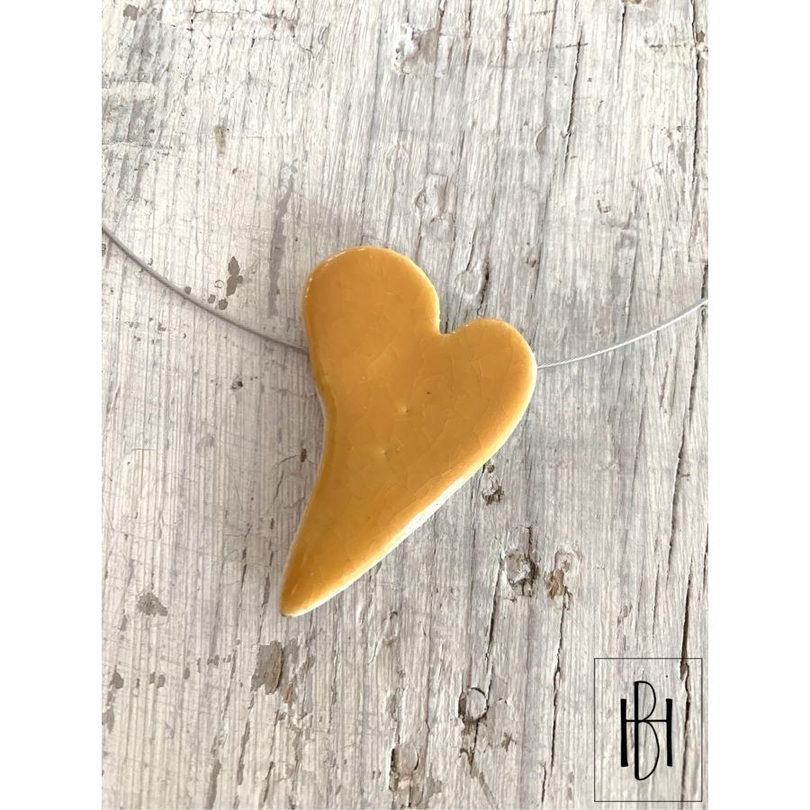 Sárga szív alakú egymedálos nyaklánc