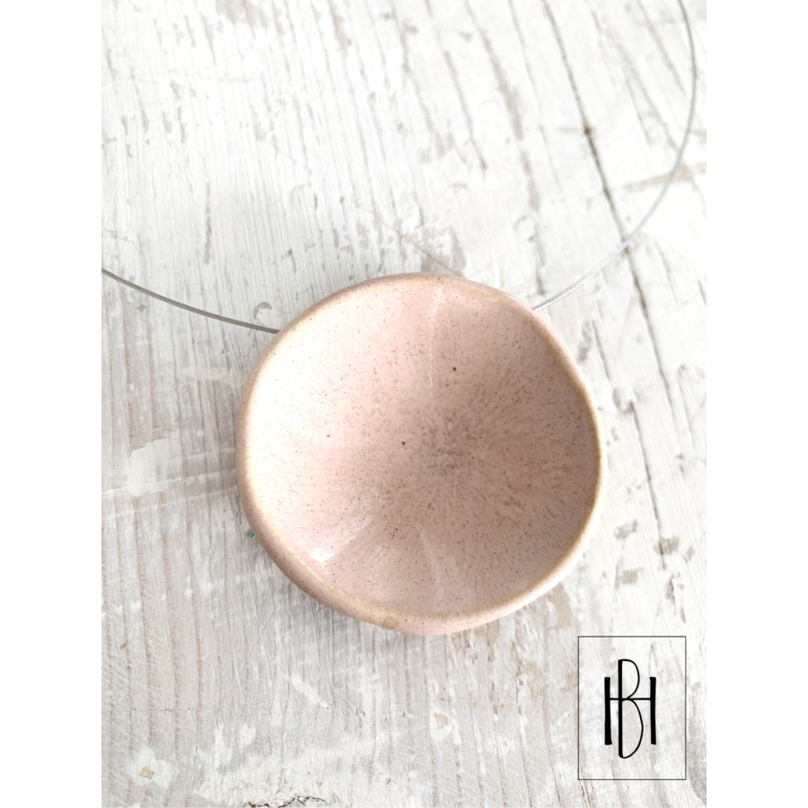 Púderrózsaszín tányéros egymedálos nyaklánc