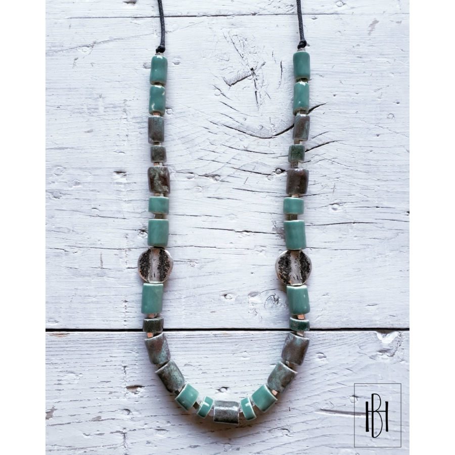 Zöldes-türkiz hosszú teli gyöngysor